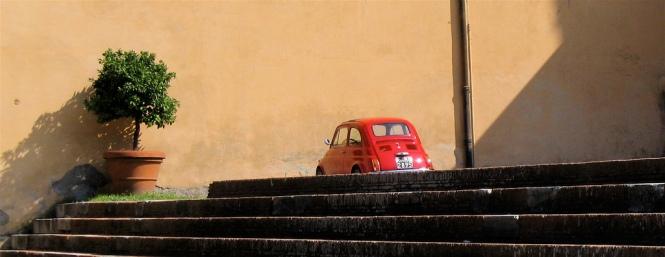 bescheiden auto